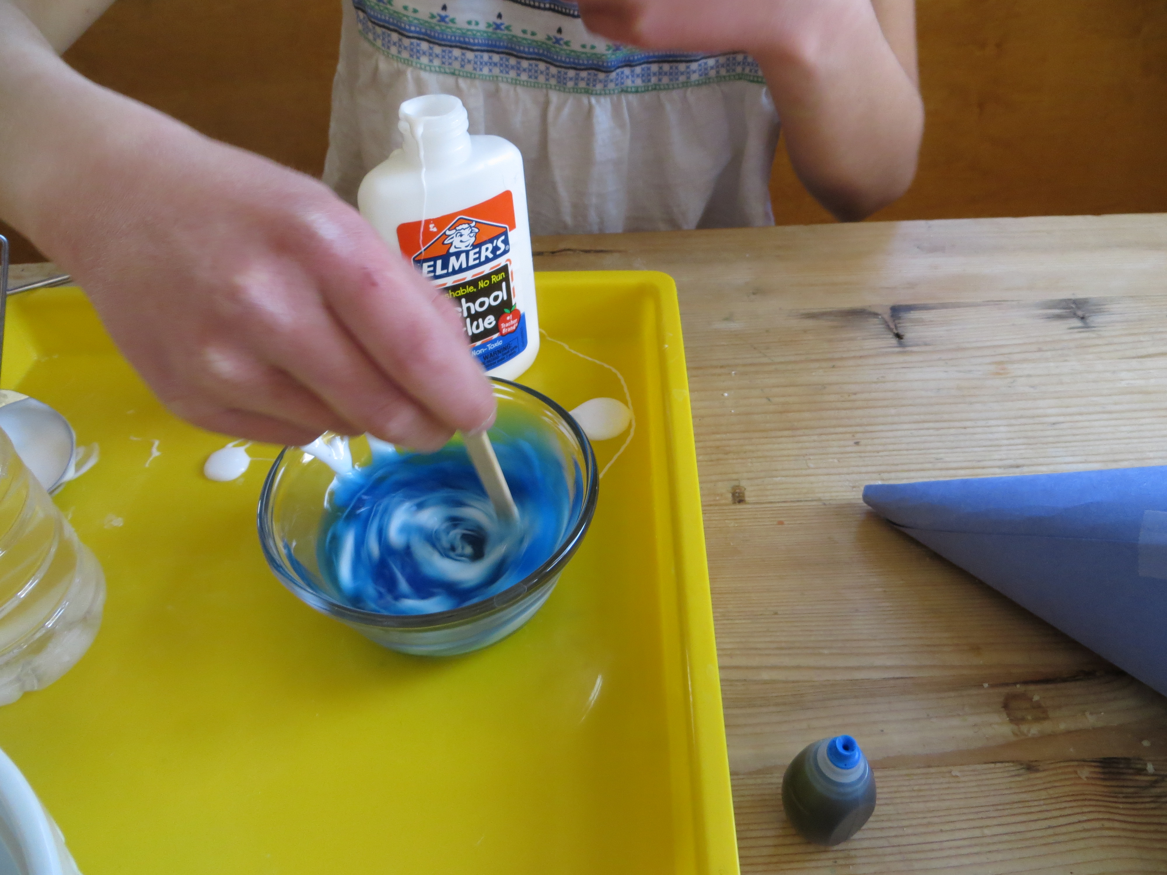 Slime recipe with laundry detergent glue and baking soda